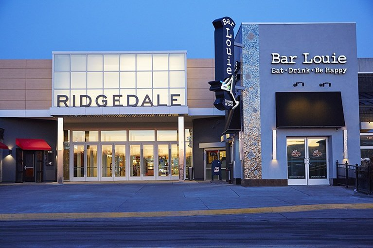 Ridgedale Center is located in Minnetonka, Minnesota and offers stores - Scroll down for Ridgedale Center shopping information: store list (directory), locations, mall 3/5(1).